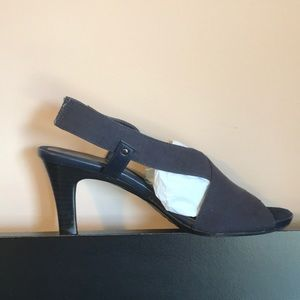Aerosoles A2 Navy Stretch Sandals Size 9